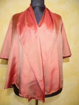 Bluse mit grossem Schalkragen rostrot