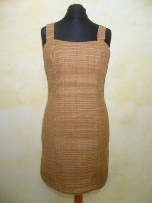 Etuikleid aus handgesponnener Khadi-Baumwolle