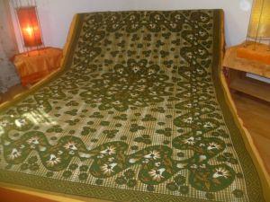 Tagesdecke Mandala grün-hellbraun