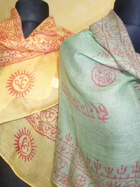 OM-Schal mit indischen Symbolen bedruckt - klein
