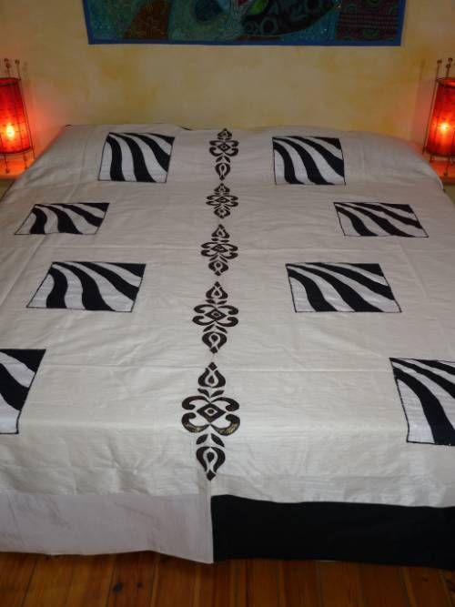 tagesdecke schwarz wei elfenbein out of india. Black Bedroom Furniture Sets. Home Design Ideas