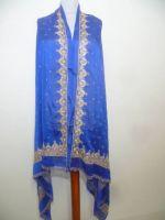 Royalblaue Stola mit kostbarer Brokat- und Perlenstickerei